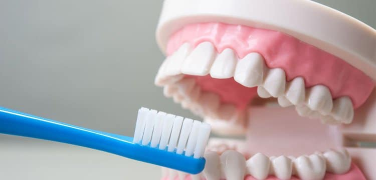 Cum ingrijim proteza dentara?