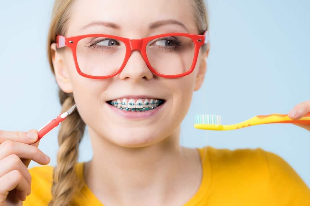 aparat-dentar-3-min